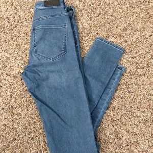 H&M High-waisted Jeggings